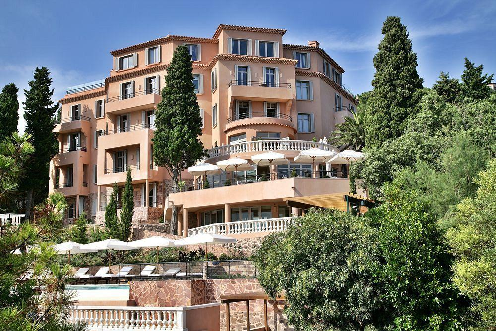 Tiara Yaktsa, Cannes – Unique Vacation Experience